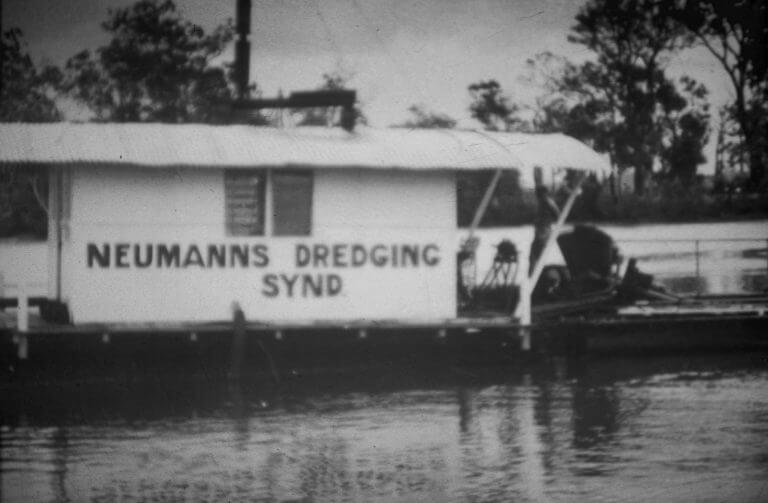 Old Neumann Dredge